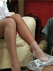 Leggy Lana gives her foot masseuse her own foot massage!